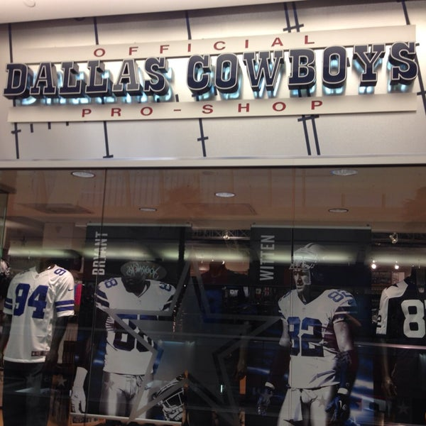 For the ultimate Cowboys fan, shop DICK'S Sporting Goods Fan Shop for the best selection of authentic jerseys to help you show your spirit on game day. DICK'S selection includes three styles of officially licensed NFL® Nike® jerseys: the Game Jersey, the Limited Jersey, and the Elite Jersey.