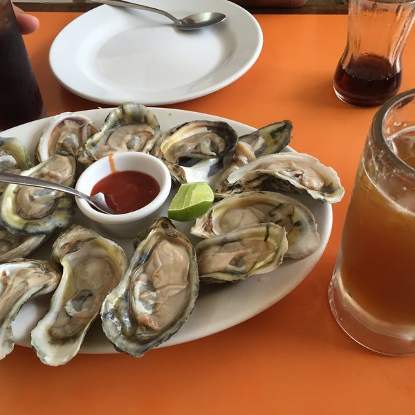 Photo taken at Restaurante Hnos. Hidalgo Carrion by ॐ Reyna María C. on 7/9/2016