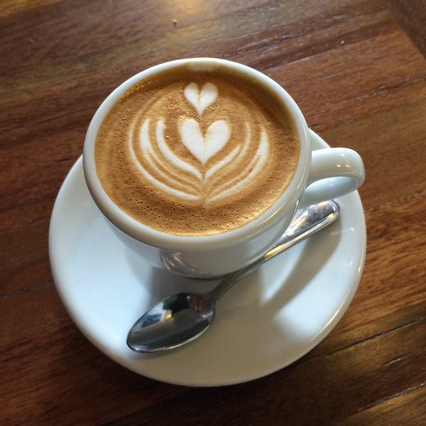 Photo taken at Coffeehouse Northwest by Tucker on 12/12/2014