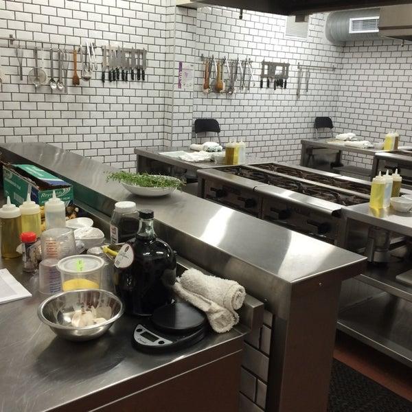 Foto tomada en Limón: Catering, Eventos y Escuela Culinaria por Emely De Los Santos el 7/1/2014
