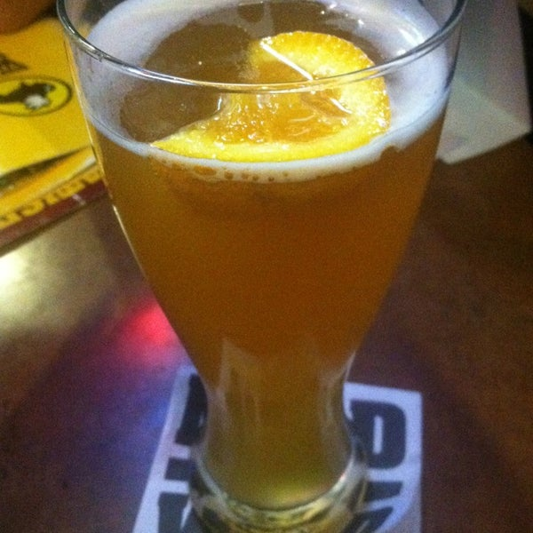 Photo taken at Buffalo Wild Wings by Achie on 3/24/2013