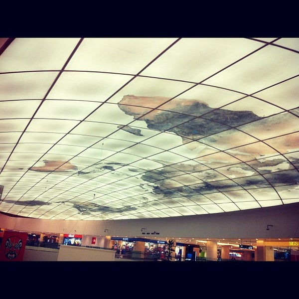 Photo taken at 银河国际购物中心 Galaxy Mall by Yue Z. on 10/13/2012
