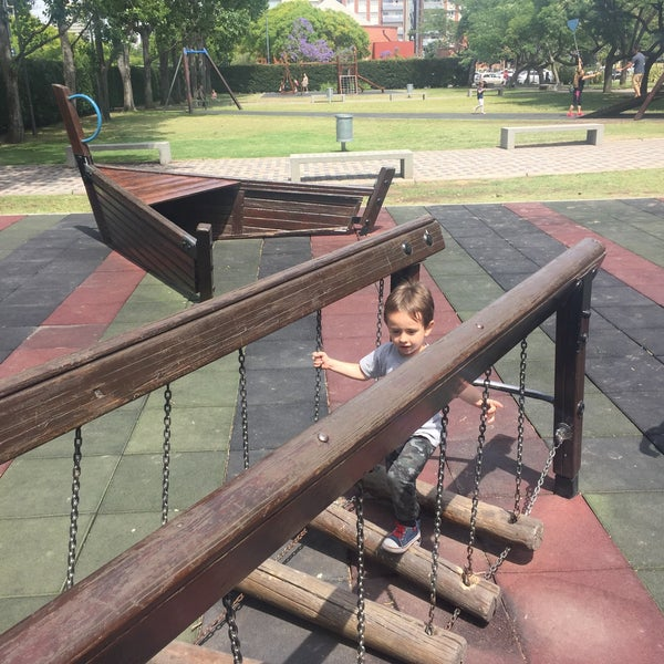 Photo taken at Puerto Madero by Ariel G. on 12/2/2017