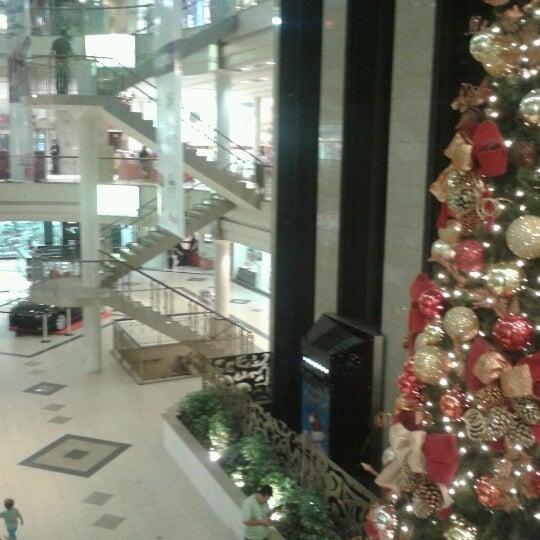 Foto tirada no(a) Shopping Del Paseo por Matheus R. em 11/16/2012