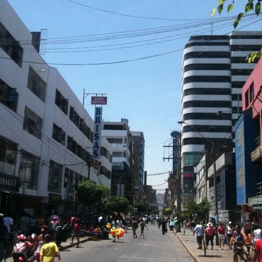 Foto tomada en Gamarra por Enrique Y. el 2/16/2013