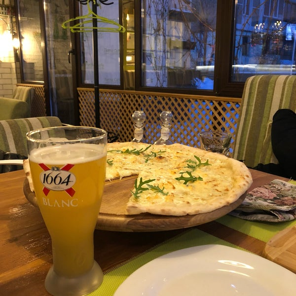 Снимок сделан в Fetta Cafe пользователем İlker S. 2/9/2018