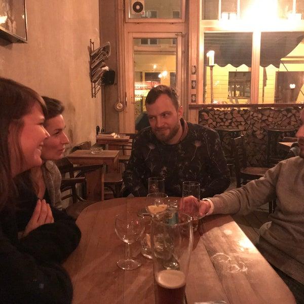 Das Foto wurde bei Meine Bar ICI von Maria A. am 1/1/2018 aufgenommen