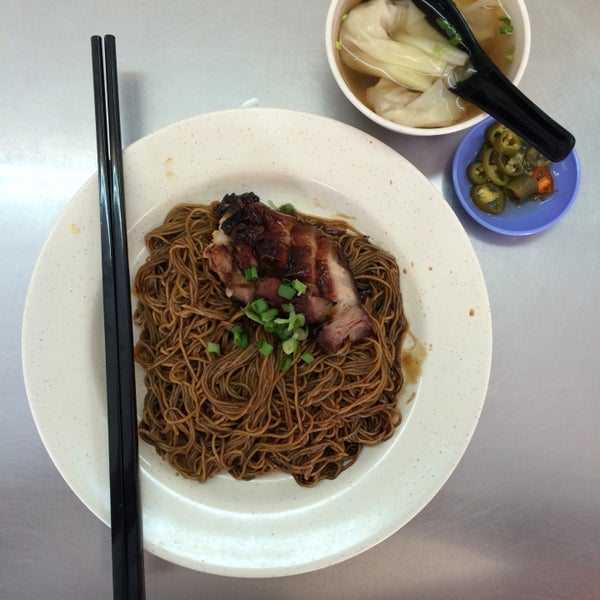 i always opt for the char siu wan tan mee because the meat is soooo delicious! this is the only place i have my wan tan mee!