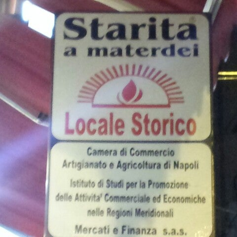 Foto scattata a Starita da Francesca il 10/13/2012