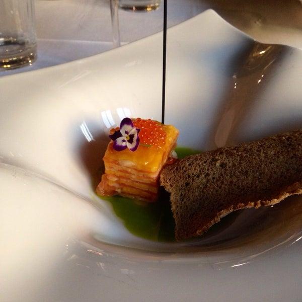 Muy buen restaurante. Un servicio excelente, comida riquisima. Prueba la milhoja de salmón y mango con pan de centeno
