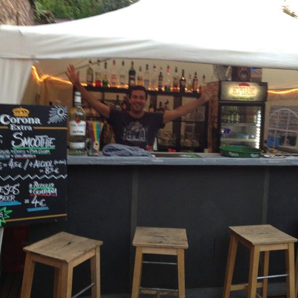 Foto tirada no(a) Le Bar d'Ixelles por Nicolas D. em 7/24/2013