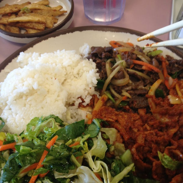 Photo taken at Jun's House Korean Restaurant by Noah J. on 4/12/2013