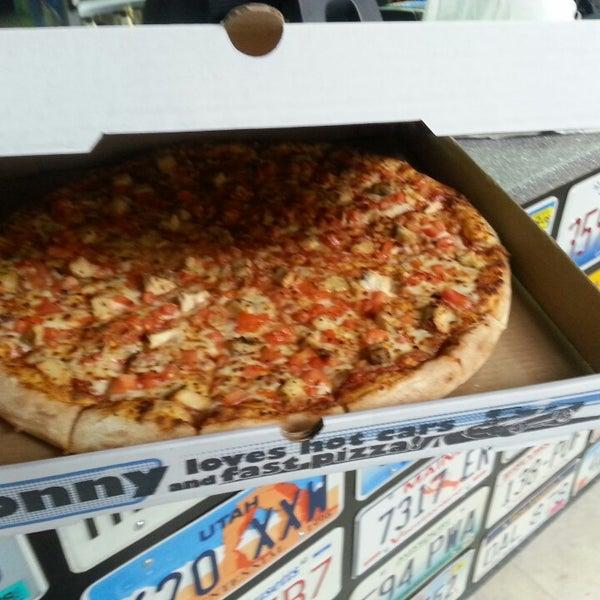 Photo taken at Ronny's Pizza Vake   რონის პიცა ვაკე by Eric B. on 2/23/2015