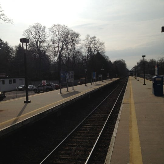 Photo taken at Metro North - North White Plains Station by José de la F on 11/30/2012