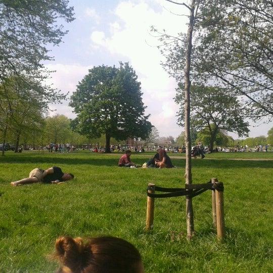 Photo taken at Kensington Gardens by Pilar S. on 5/6/2013