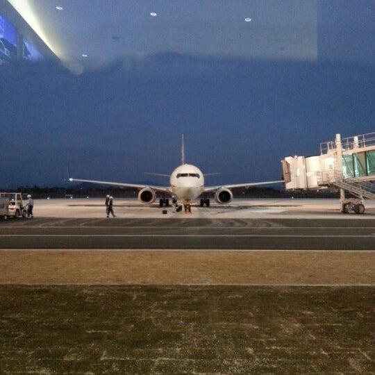 1/6/2013にNoriaki G.が岩国錦帯橋空港 / 岩国飛行場 (IWK)で撮った写真