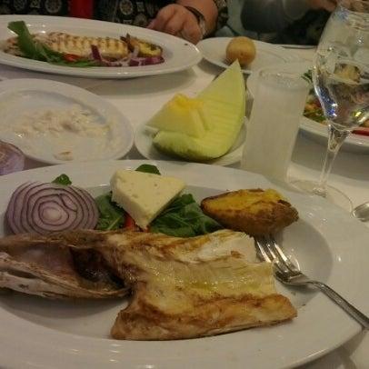 12/15/2012 tarihinde Koray K.ziyaretçi tarafından Foça Fish Gourmet'de çekilen fotoğraf