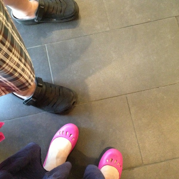 Photo taken at Starbucks by soonji emerentiana on 7/14/2013