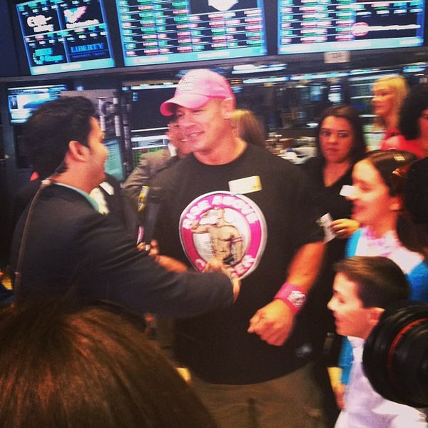Photo taken at NYSE Euronext by Wiafe M. on 4/5/2013