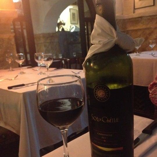 Foto tomada en Donde Olano Restaurante por Antonio H. el 11/4/2012