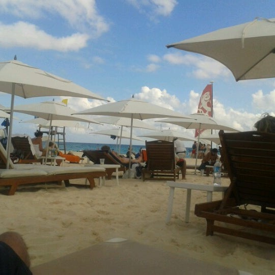 Foto tomada en Kool Beach Club por Arturo H. el 12/17/2012