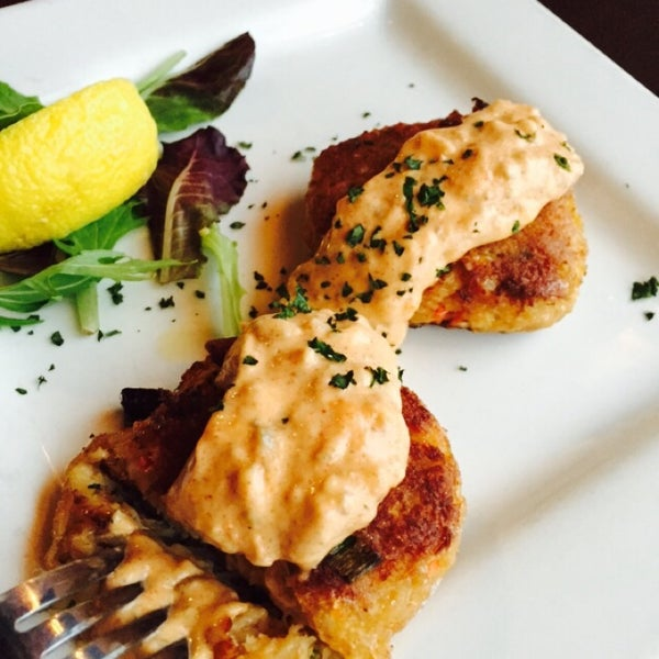 Cajun crab cakes with spicy remoulade sauce is a fantastic starter! It's not very spicy, but it doesn't matter. As you can tell from the pic, I couldn't wait to dive in!