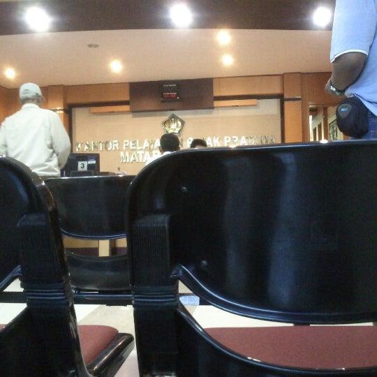 Photo taken at Kantor Pelayanan Pajak Pratama Mataram Barat by Marjan D. on 9/24/2012