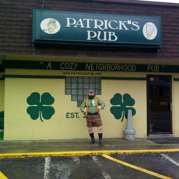 Patricks Pub Moon