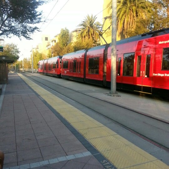 Mission Light Rail: Rio Vista Trolley Station
