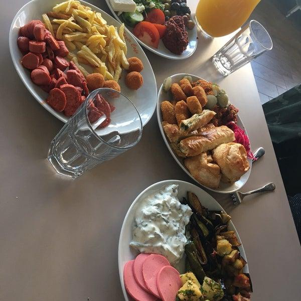 2/17/2018 tarihinde Esra Ö.ziyaretçi tarafından Seyir Cafe'de çekilen fotoğraf