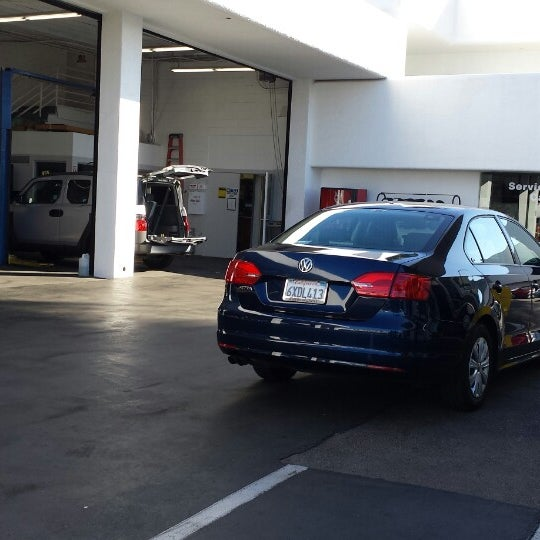 Galpin Volkswagen Auto Dealership In North Hills East