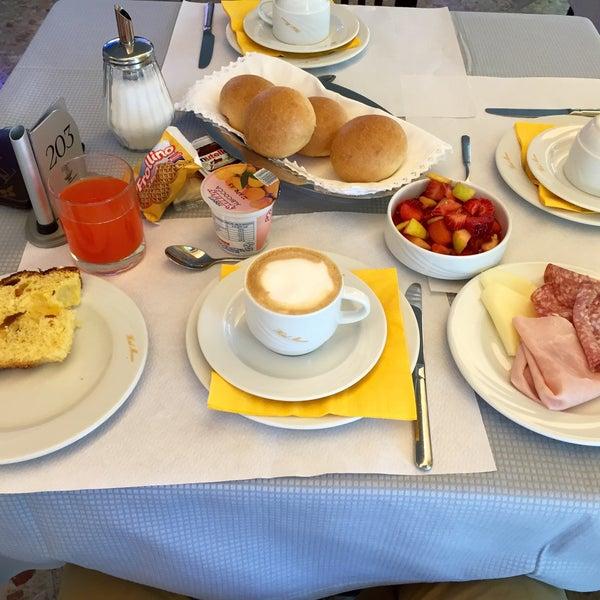 Photo taken at Hotel Monaco by Gianni O. on 4/13/2015