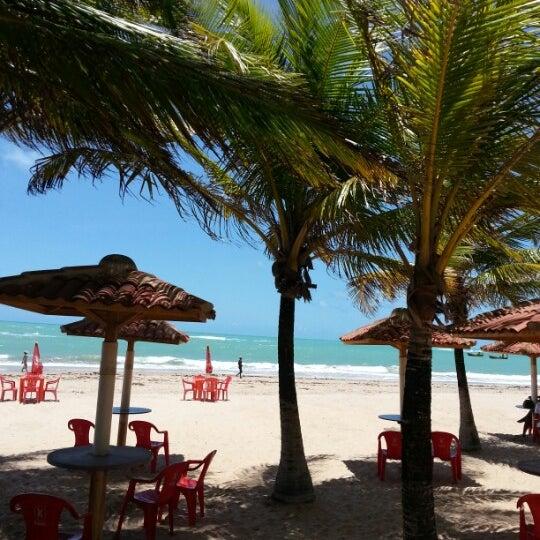 รูปภาพถ่ายที่ Praia de Guaxuma โดย João Roberto G. เมื่อ 10/23/2012