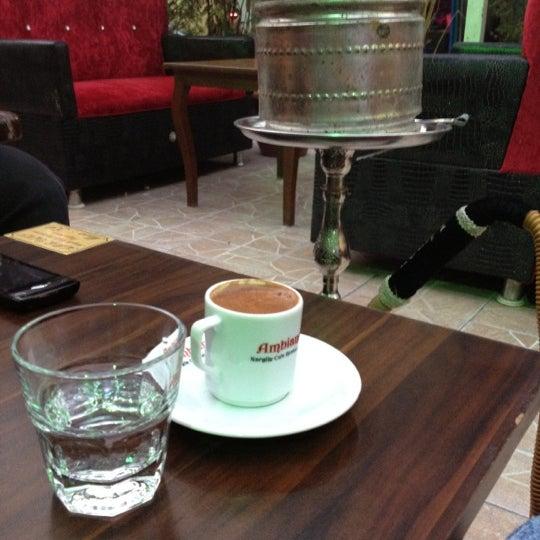 Das Foto wurde bei Ambians von Mustafa G. am 9/30/2012 aufgenommen