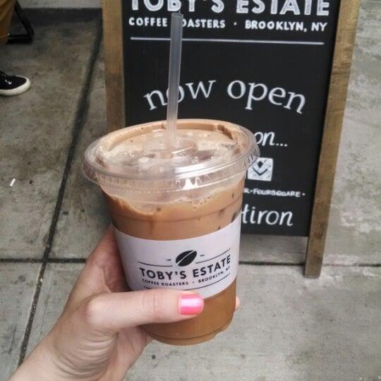 Foto scattata a Toby's Estate Coffee da Amanda S. il 5/15/2014