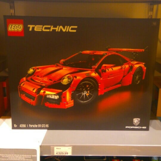 Photo taken at LEGO Store by Jens D. on 8/8/2016