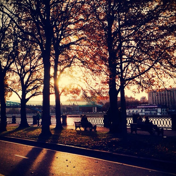 Foto scattata a Gorky Park da 🌸MissKate🌸 il 10/15/2013