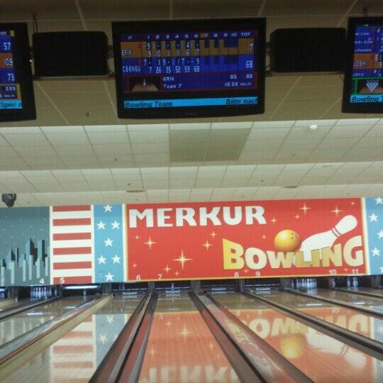 merkur bowling bowlingbahn in d sseldorf. Black Bedroom Furniture Sets. Home Design Ideas