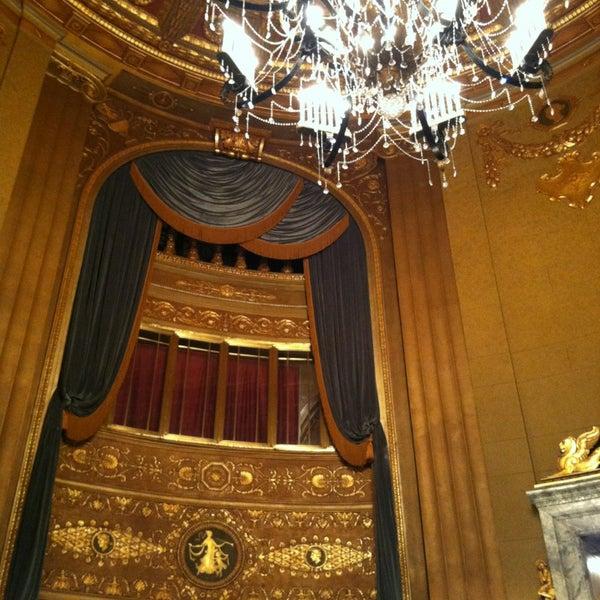 รูปภาพถ่ายที่ Beacon Theatre โดย Rachel เมื่อ 2/21/2013