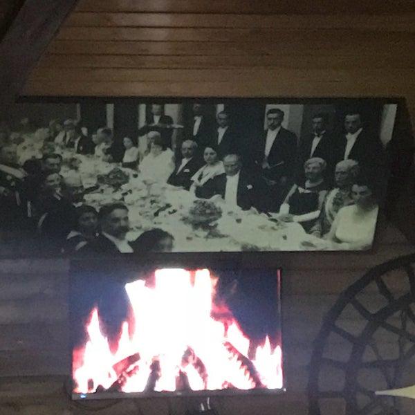 Photo taken at Körfez Aşiyan Restaurant by Serkan K. on 1/14/2018