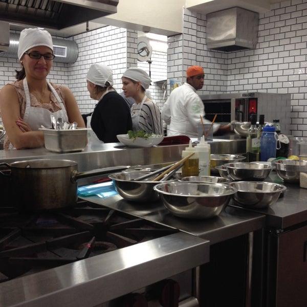 Foto tomada en Limón: Catering, Eventos y Escuela Culinaria por Jossie T. el 2/13/2014