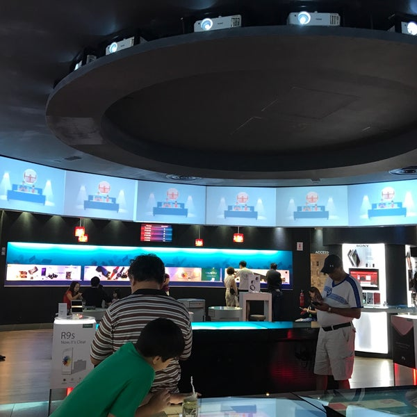 Photo taken at Singtel Shop by Max S. on 12/26/2016