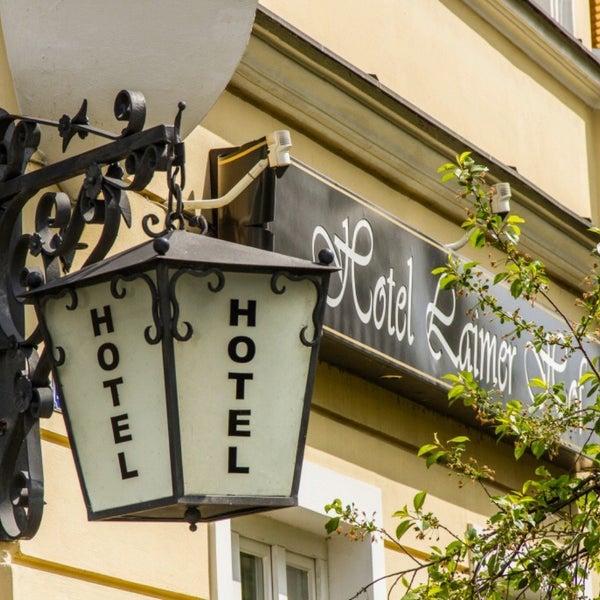 Foto tirada no(a) Hotel Laimer Hof por Jeff em 4/24/2016