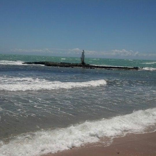 Foto tirada no(a) Praia Mirante da Sereia por Nor G. em 10/25/2012