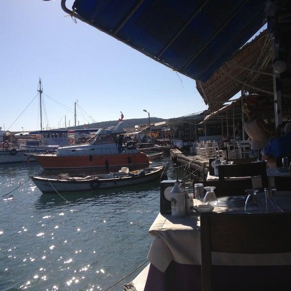 5/31/2013 tarihinde Mehmet G.ziyaretçi tarafından Cunda Deniz Restaurant'de çekilen fotoğraf