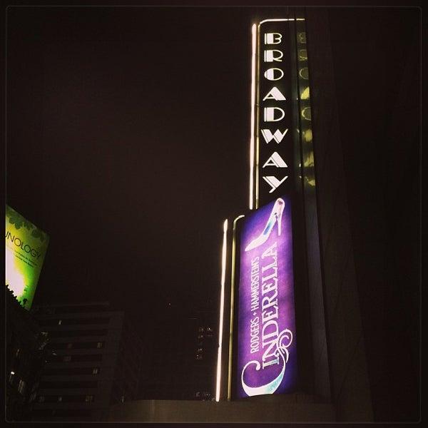 1/9/2013にАндрианがBroadway Theatreで撮った写真
