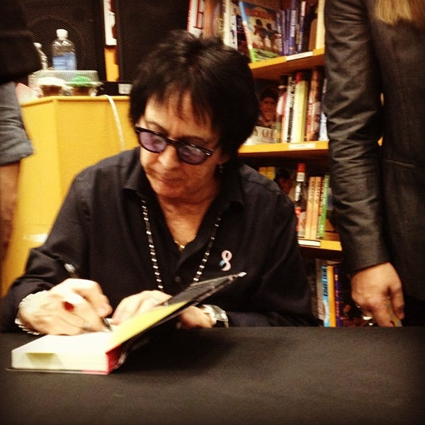 Photo taken at Changing Hands Bookstore by Amy B. on 12/7/2012