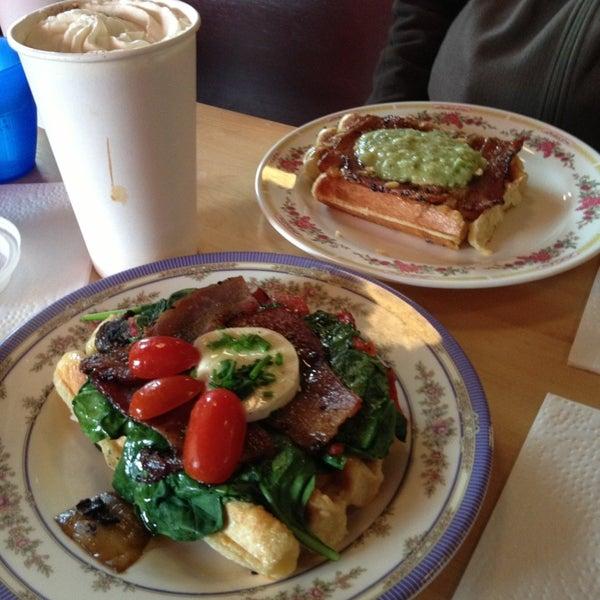 Foto tirada no(a) The Waffle Window por Alethea S. em 2/18/2013