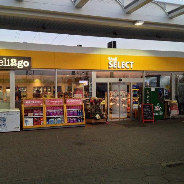shell station gas station in hamburg. Black Bedroom Furniture Sets. Home Design Ideas