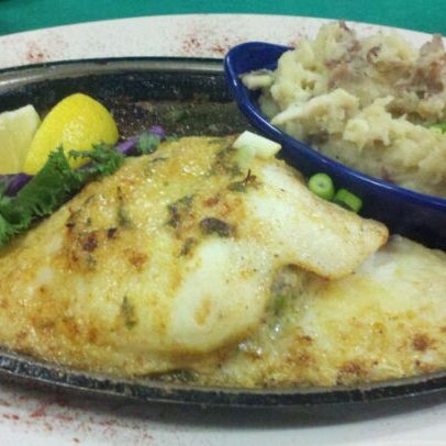 Photo taken at Deanie's Seafood by Nate D. on 8/10/2011